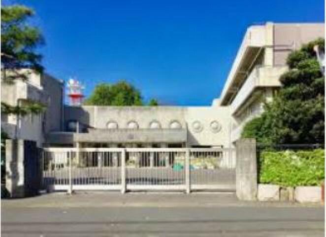 小学校 【小学校】古河市立古河第三小学校まで354m