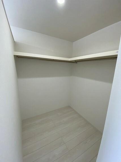 収納 2階洋室収納(3)