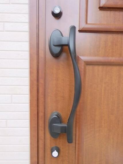 防犯設備 ダブルロック玄関ドア