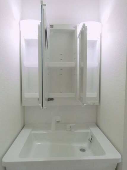 洗面化粧台 三面鏡洗面化粧台