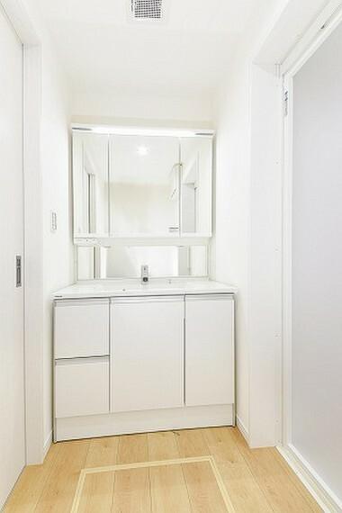 外観・現況 洗面所の施工例写真