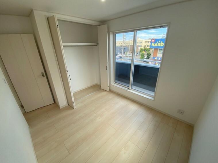 洋室 各お部屋には収納スペースがたっぷり設置されているのもこの住宅の魅力です