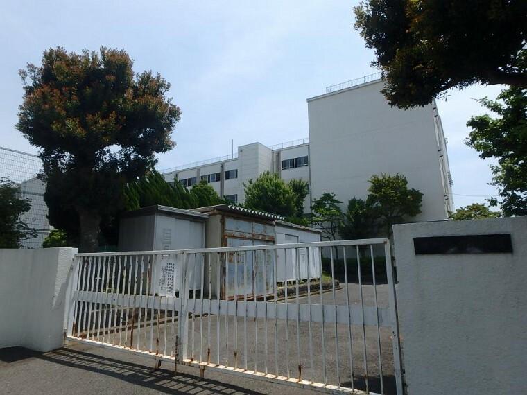 中学校 横浜市立六浦中学校
