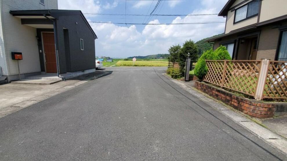 現況写真 前面道路も広く駐車しやすいです!