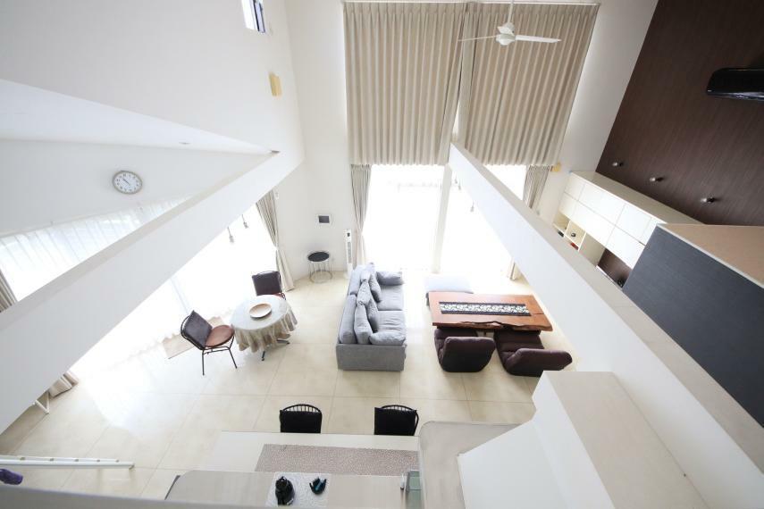 居間・リビング ロフトからの展望 吹き抜けで、開放的な空間です!