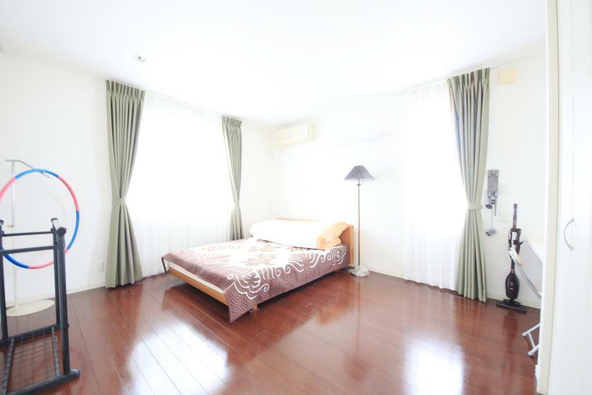 洋室 居室A8.5帖 広々とした空間で、よりご家族が寛げるスペースとなっています。
