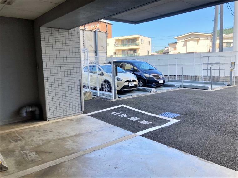 来客用駐車場完備でご親戚やご友人がくるまで来ても安心!