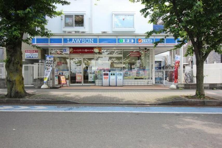 コンビニ ローソン小田急桜ケ丘店331m