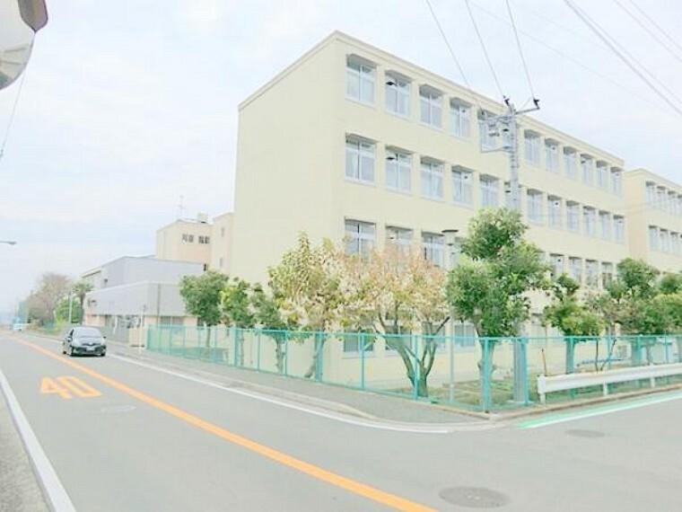 小学校 横浜市立上郷小学校