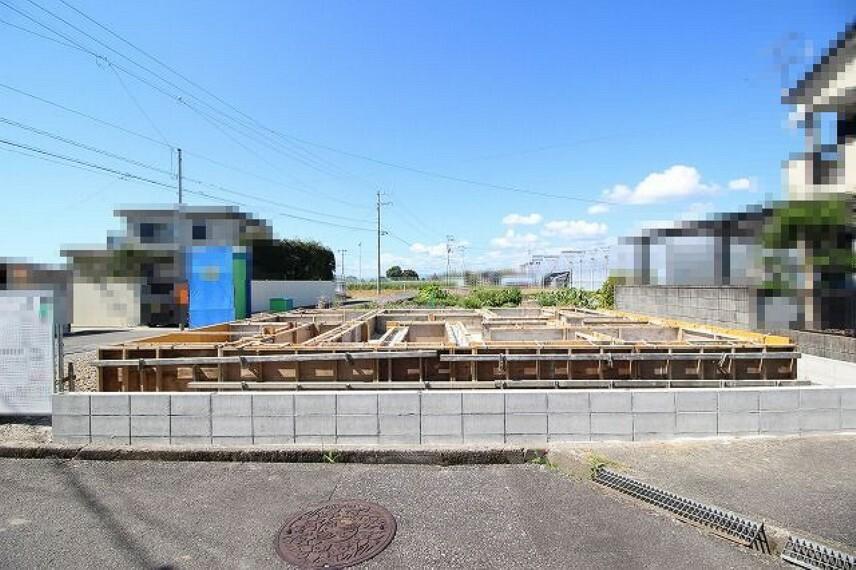 現況外観写真 2021.10月:建築中(東側)