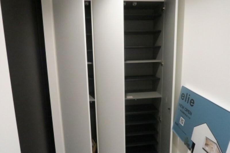 収納 玄関がいつも片づく大容量シューズボックス。
