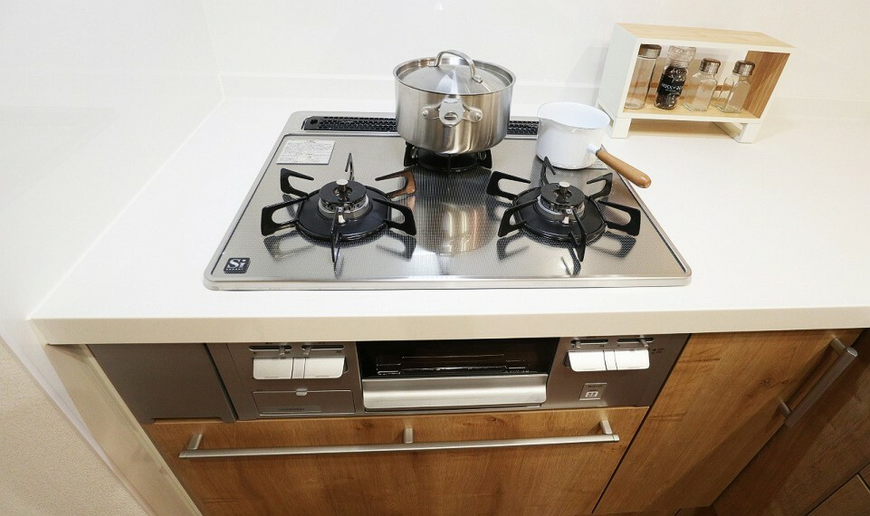 キッチン ミツクチコンロでお料理も一段とスムーズに手際よくなります!【施工例】
