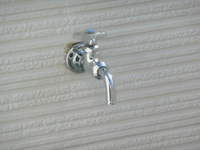 洗車やガーデニング、こどもプールに利用できる 外水栓があると便利です!