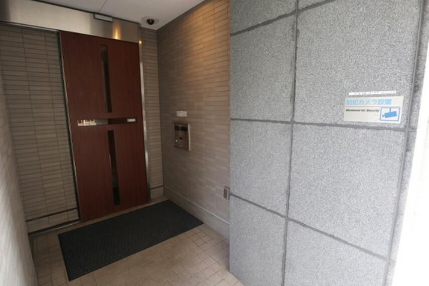 エントランスホール 敷地入り口-(3)
