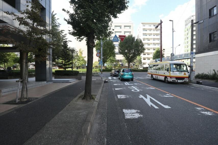 現況写真 敷地の東側前面道路(北側から)