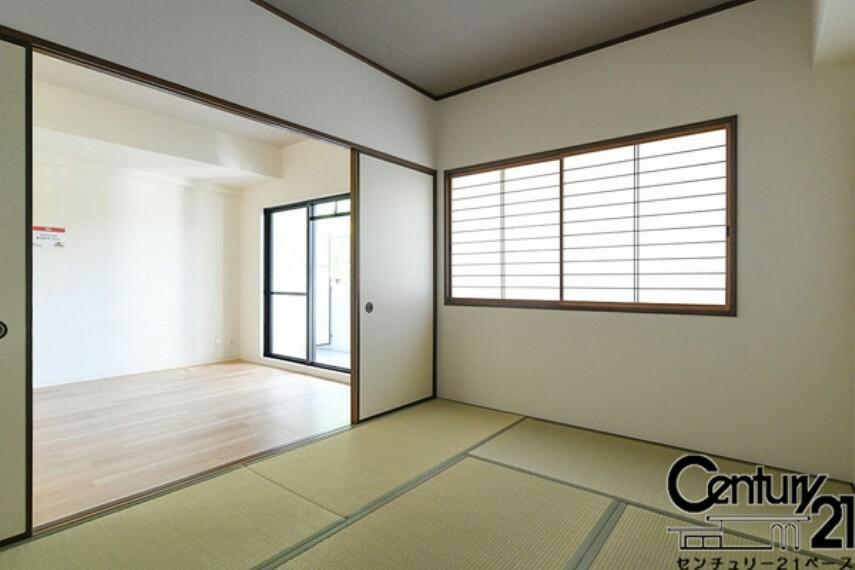 和室 ■現地撮影写真■リビング横の和室は家族みんなのくつろぎの空間に!