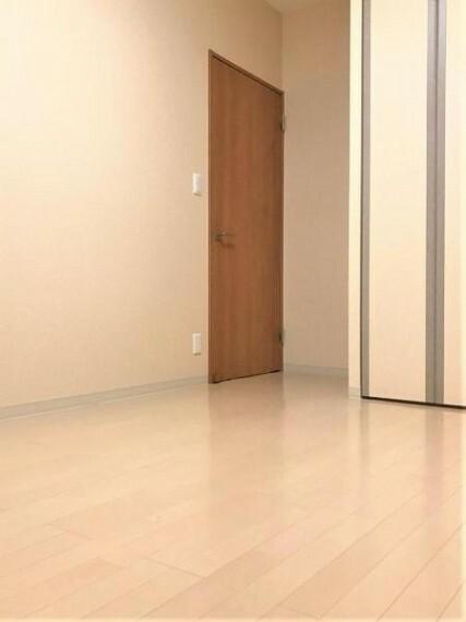 洋室 全居室収納スペースあり!お部屋もスッキリ片付きますね!