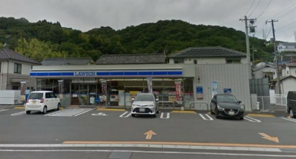 コンビニ ローソン 呉阿賀北七丁目店