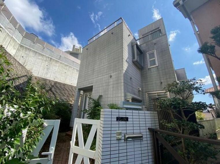 外観写真 ヘーベルハウス施工!鉄骨造・陸屋根のお家です