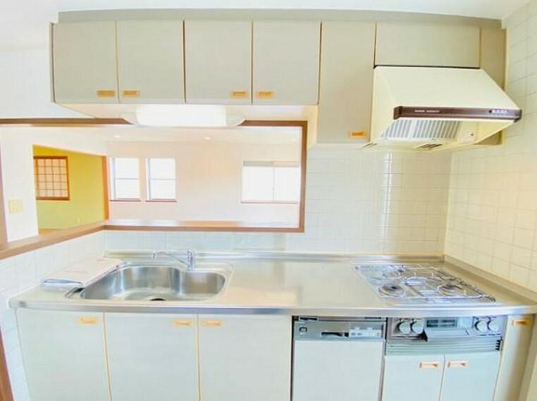 キッチン 食洗器付きのカウンター式システムキッチン!