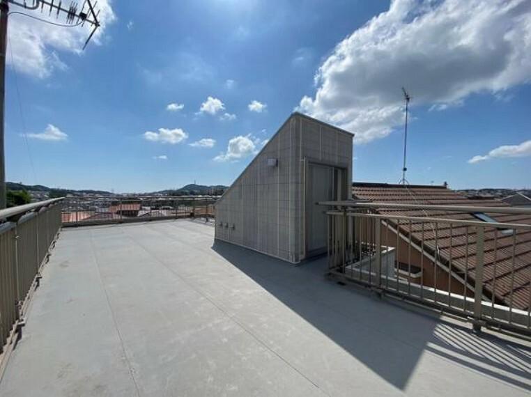 バルコニー 眺望良好な屋上付き!