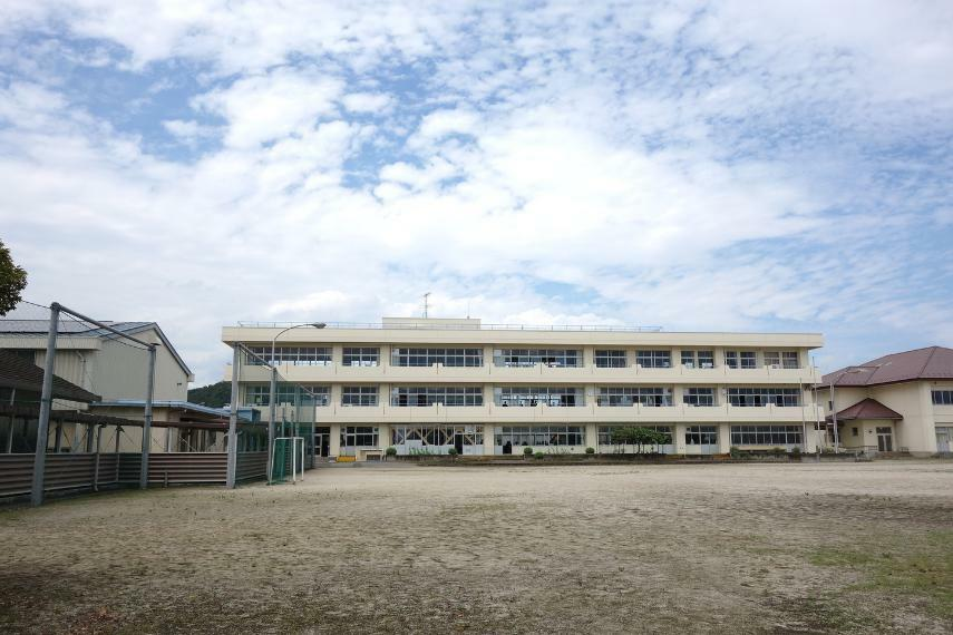 中学校 足利市立富田中学校