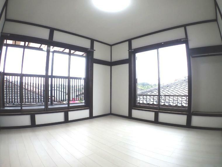 洋室 陽の光に包まれる居室(2階南側洋室)