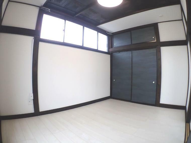 洋室 大きな収納付きの居室(2階北側洋室)