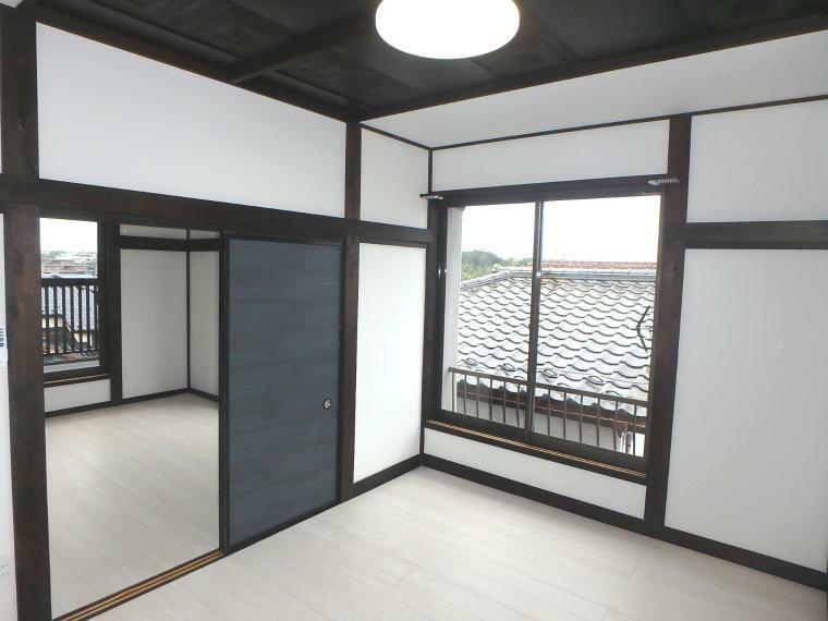 洋室 真ん中の襖を取れば大空間に!!(2階北側洋室)