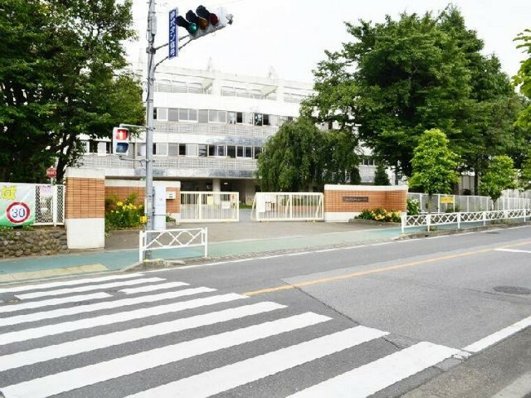 小学校 桜ヶ丘小学校