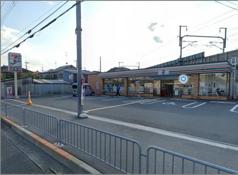 コンビニ セブンイレブン 高槻北大樋町店