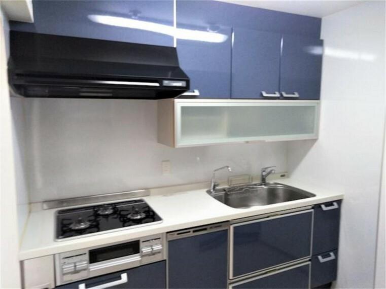 キッチン お料理に集中できる、独立したキッチン空間です。後片付けもラクラクな食器洗い乾燥機付きです?