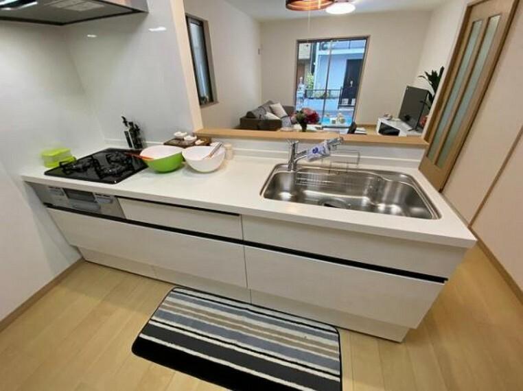 キッチン 浄水器付きハンドシャワー水栓など、奥様に嬉しい機能がたくさん!
