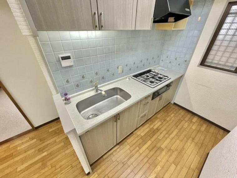 キッチン キッチンも大変綺麗ですよ お料理がはかどる十分なスペースの作業台。