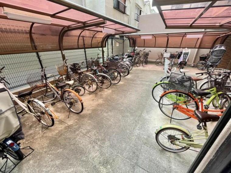 駐輪場 駐輪場は建物内にございますので、雨風に晒される心配がなく、また盗難の恐れも低減できます