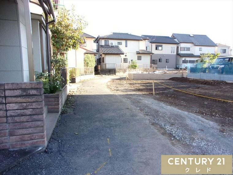 現況写真 前面4m公道!閑静な住宅地です。送迎もいたしますのでお気軽にお問い合わせください!