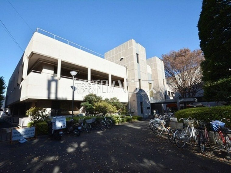 図書館 狛江市立中央図書館