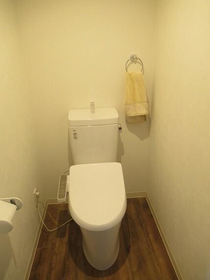 トイレ ウォシュレット一体型でお掃除も楽々!