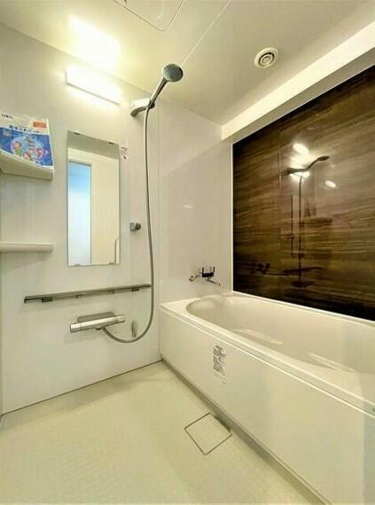 浴室 ユニットバス新規交換済み。ゆったり足が伸ばせます。