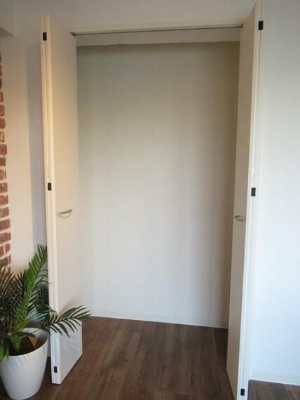 収納 LDKにございます収納です! これだけの収納力があれば部屋もスッキリ保てますよ!