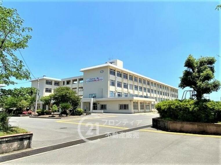 男山中学校