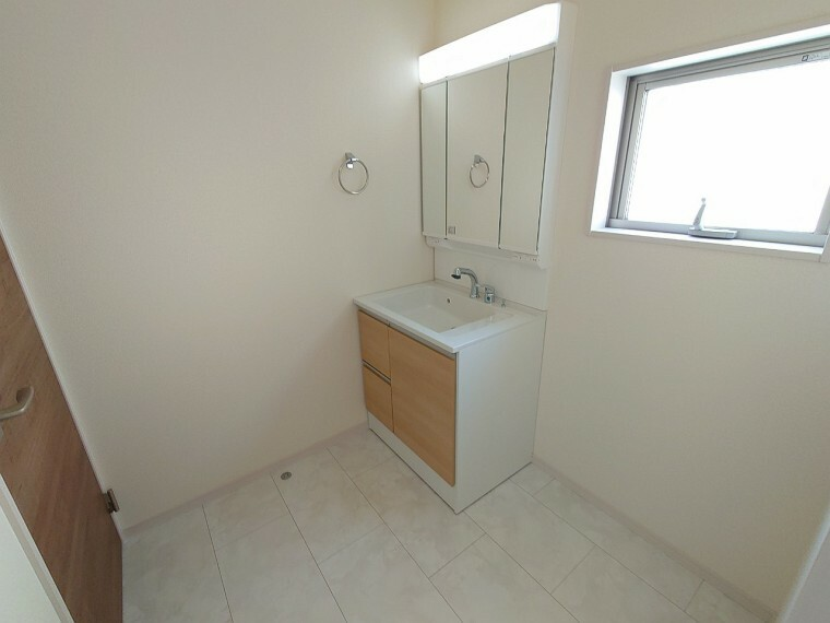 脱衣場 約2帖ある洗面スペース