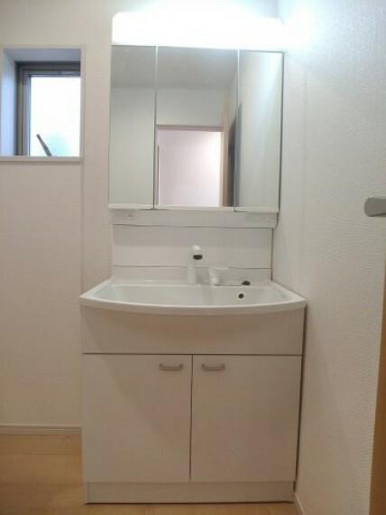 同社施工例シャワー付き洗面台