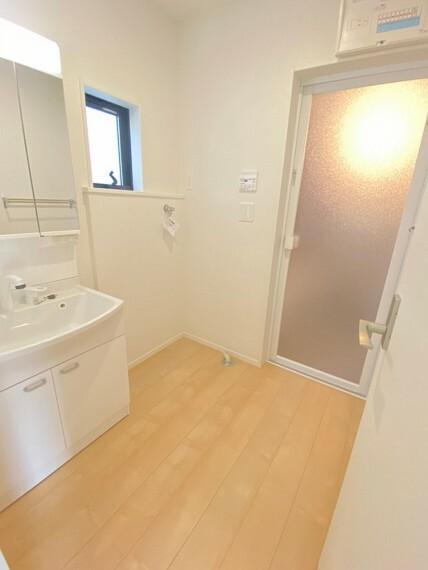同社施工例約2帖ある洗面スペース