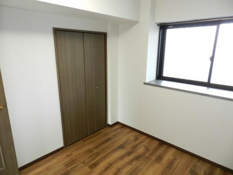子供部屋 収納スペースがあることで、お部屋を有効活用できますね。