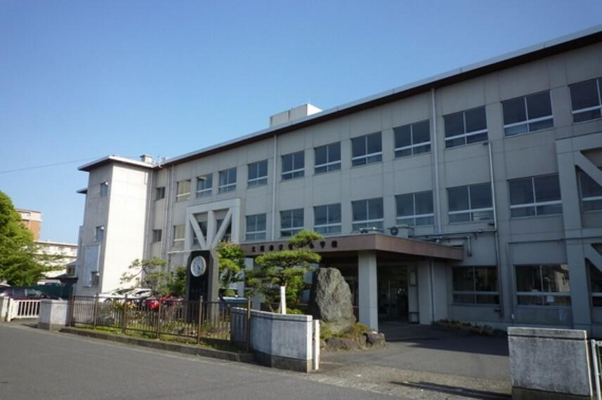 小学校 安井小学校まで約400m(徒歩5分)