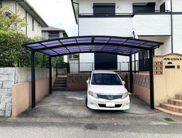 駐車場 駐車並列2台可!カーポート付き!