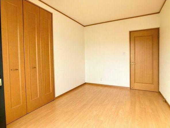子供部屋 「洋室約4.8帖」 各洋室にクローゼット完備!