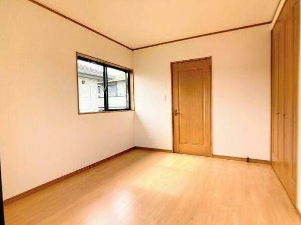 洋室 「洋室約5.25帖」 2階に洋室が4部屋あるので、お子様が多いご家庭にもオススメです。