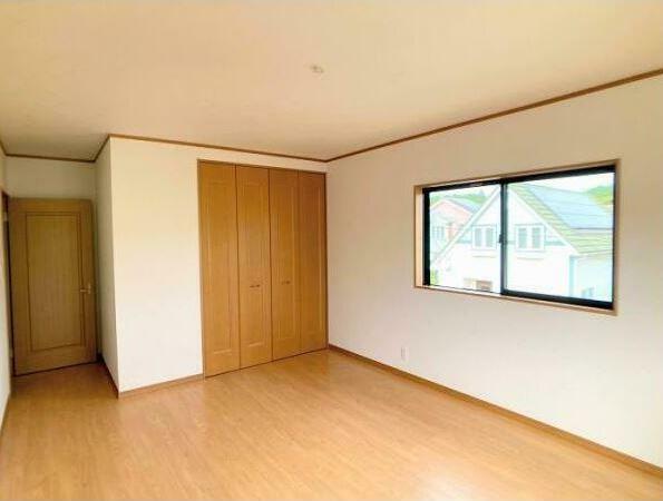 寝室 「洋室約8.81帖」 収納室も広く、寝室にピッタリ!